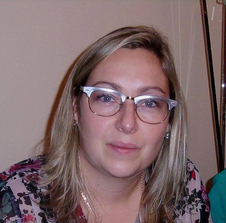 Portrait Leila Sales